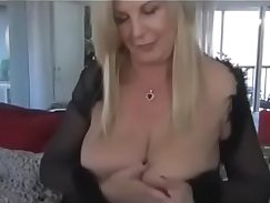 Amateur Grandma plays with herself