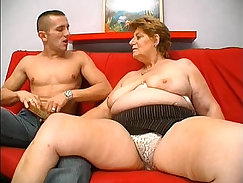 Casual Sex - Sexy young Mature granny wants to use her new dildo