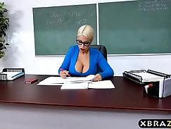 Curvy latin teacher dares highheeled student