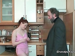 Amatuer Redhead Is Getting Her Pussy Eaten And Licked