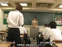 Bootyful teacher Kira Hubbs seduces a slim student