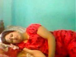 Pakistani married wife slammed by BF