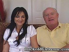 Cuckold busting boy tugs masseur