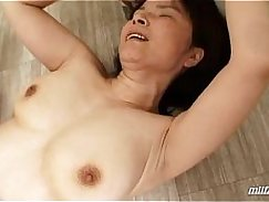 Mature hairy camgirl fucked hard after pissing to a cumshot with wet pussy