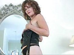 Huge gorgeous milf gets her pussy wet orgasms