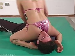 amazing in italian kyle wrestling with tentacles