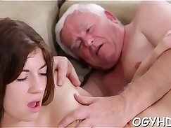Country delivery guy fucks young sweetie