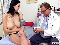 Casas Ventures - Pretty Handsome Wife Divorces Doctor